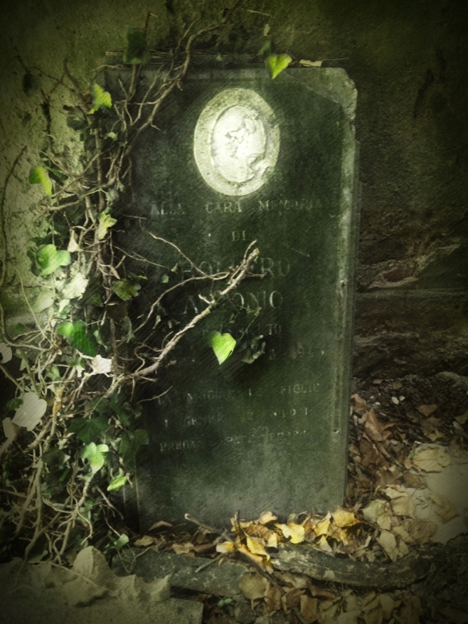 Tombstone green